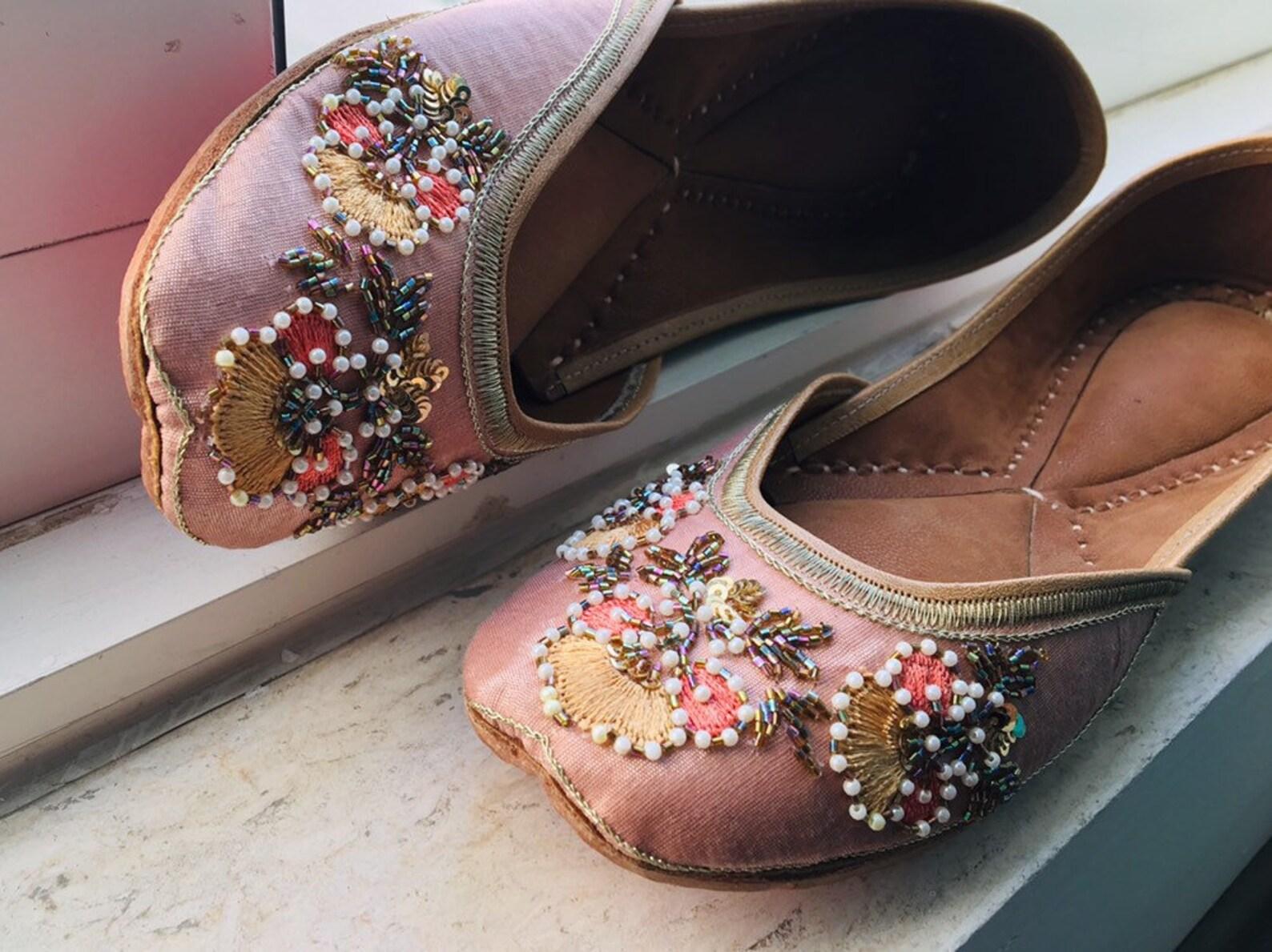thread embroidered beats jutti  ballet flats   mojaris