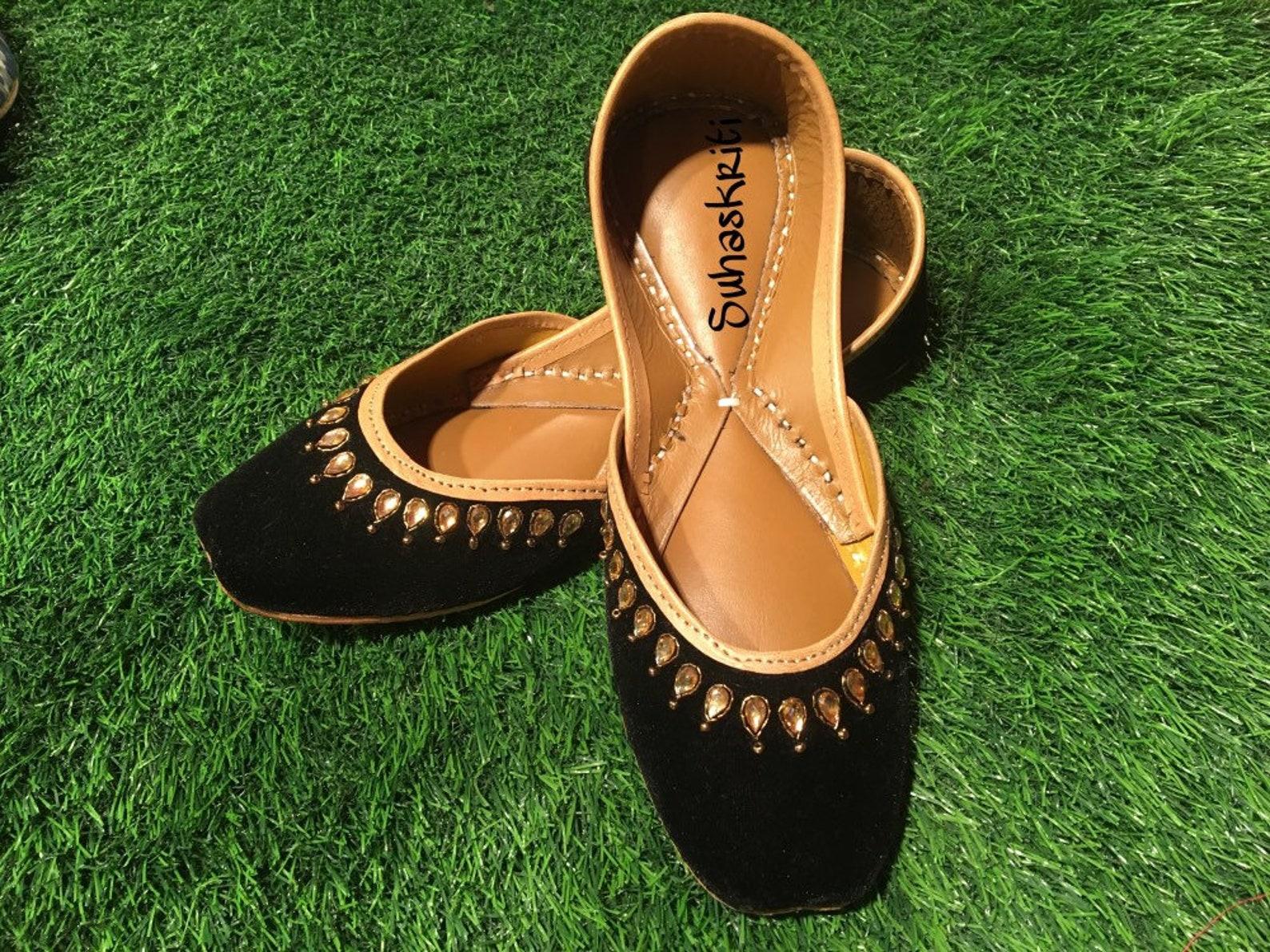 black kundan embroidered velvet jutti |mojari | ballet flats