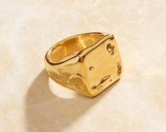 Gold Melt Signet Ring