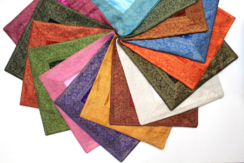 Indian cushion 60 x 60 cm pillowcase pillowcase Oriental cover India-\u00dcBER 15 VERSCHIEDENE FARBEN spread over 4 offers