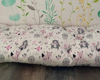 Floor cushion / floor mattress / children's room / reading corner /