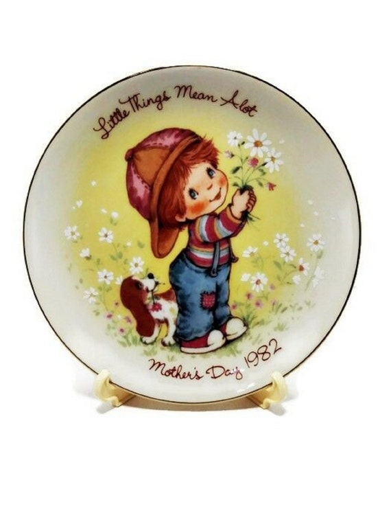 Avon 1982 Mother/'s Day  Plate Little Things Mean A Lot Plate