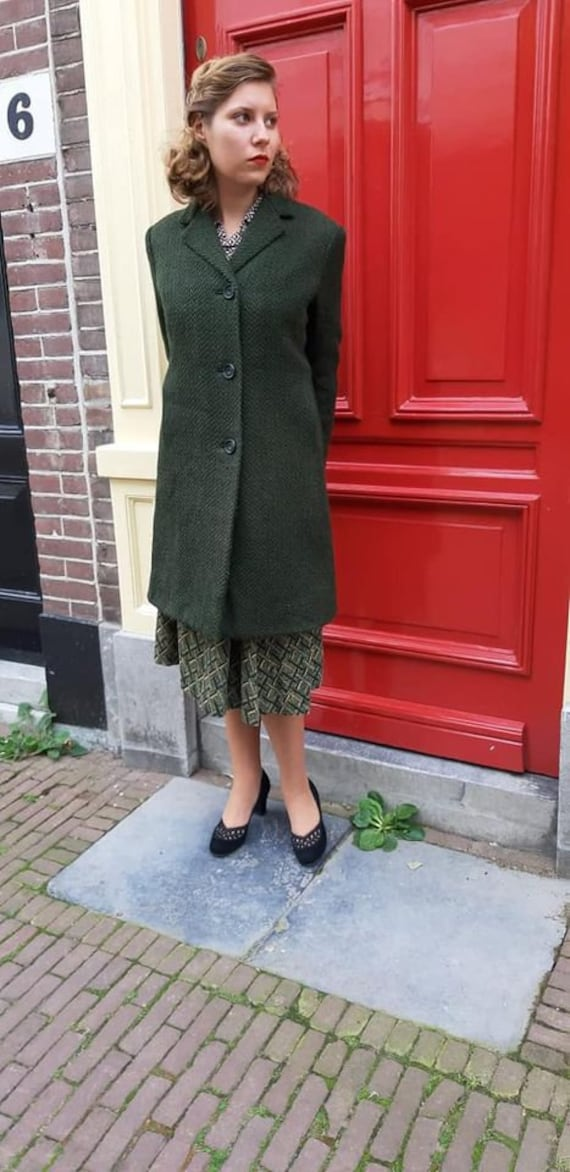 forest green 50s coat with pink lining
