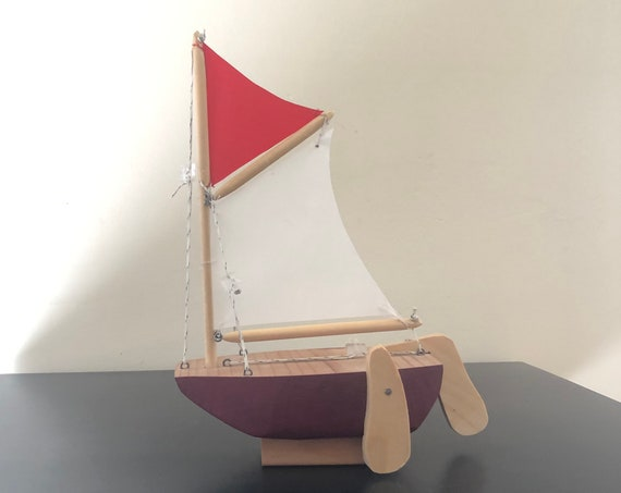 6.5 Inch Model Boat With Stand: Sabot Style, Complementary Stand, Choose Your Color (Black, Green, & Red)