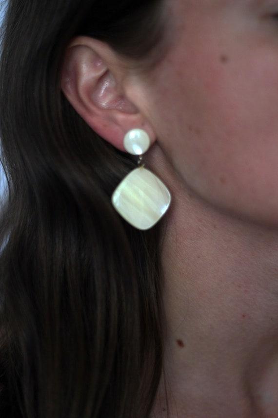 Creamy Pearlescent Vintage Pierced Earrings - image 2