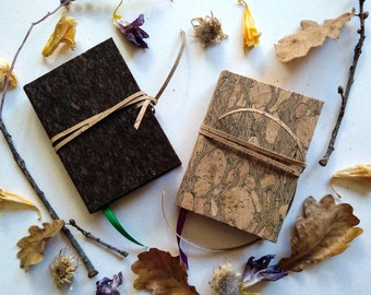 Small cork notebook with closing lace - Vegan, 11.5x8.5 cm