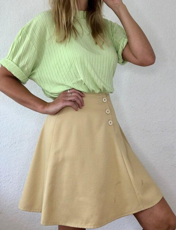 Beautiful Vintage Mini Skirt in Beige 60s 70s
