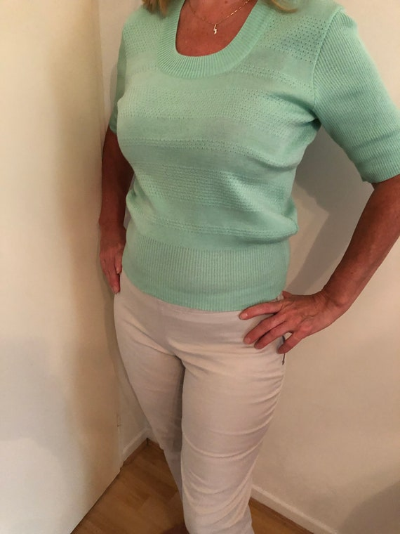 Pistachio-colored vintage knit top, lightweight sw