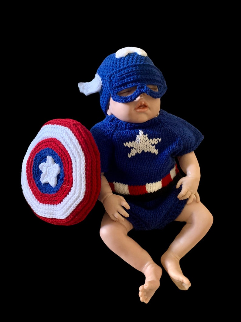 Captain America newborn outfit for Halloweenphoto shoots