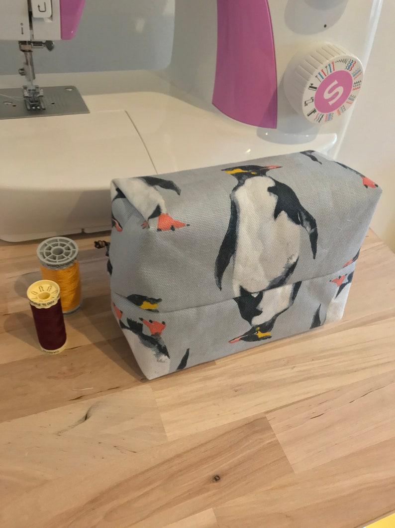 Penguin Box Zipper Pouch