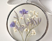 Pressed flower circle frame in gift box Babies breath Blue floral Romantic gift Stain glass Floating frame Dry flower arrangement Herbarium