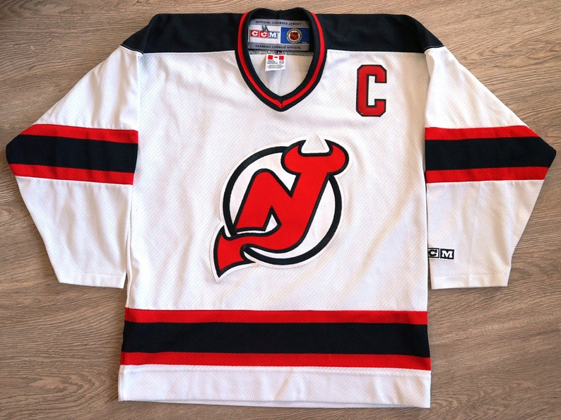 hot sale online 8aab7 bae64 Scott Stevens New Jersey Devils vintage CCM NHL jersey youth XL/L excellent  condition!