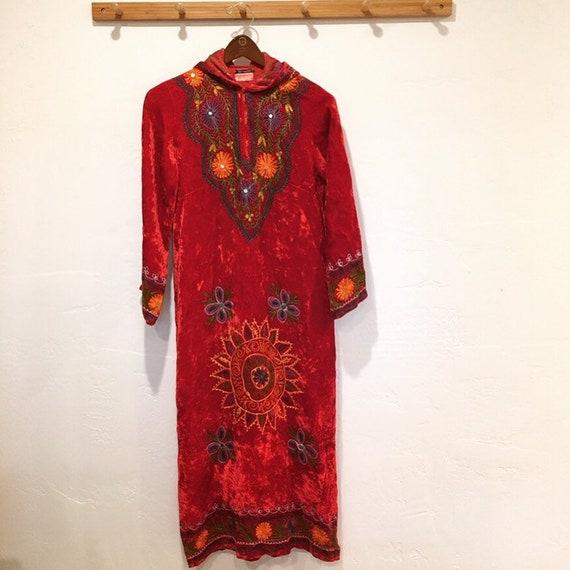 70s Velvet Embroidered Kaftan
