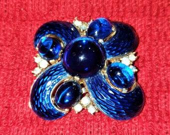 vintage Blue Crown Trifari Cabachon And Enamel And Crystals Brooch