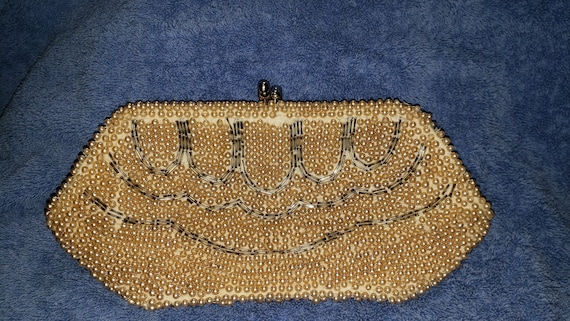 1950's Pearl Clutch With Top Ball Snap Closure