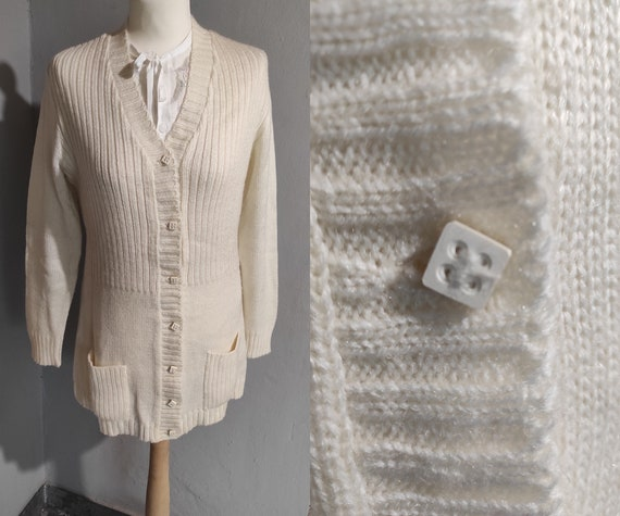 Vintage 60s cream wool sweater/ pocket fitted card