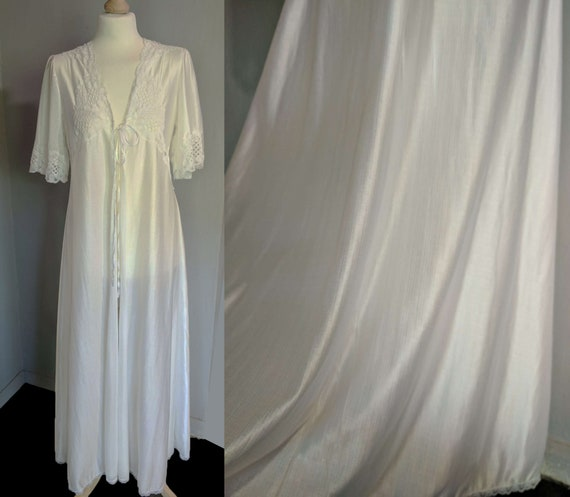 Vintage 60s70s silk nylon angel sleeve robe/ white