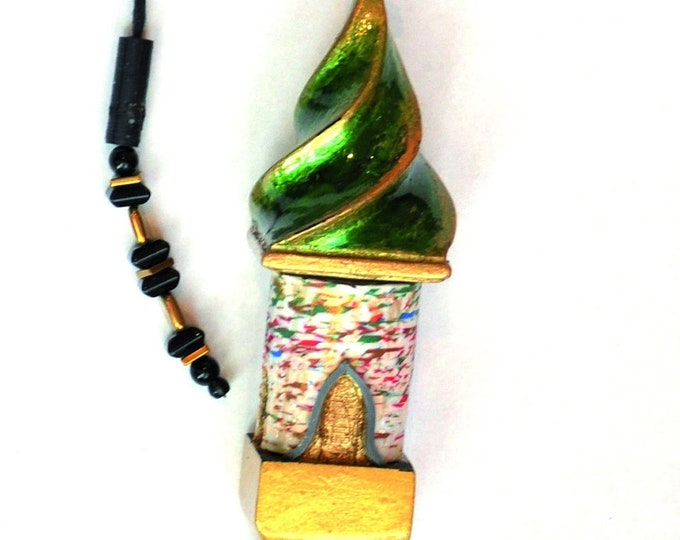 """Necklace """"Twisted House Container"""" adjustable"""