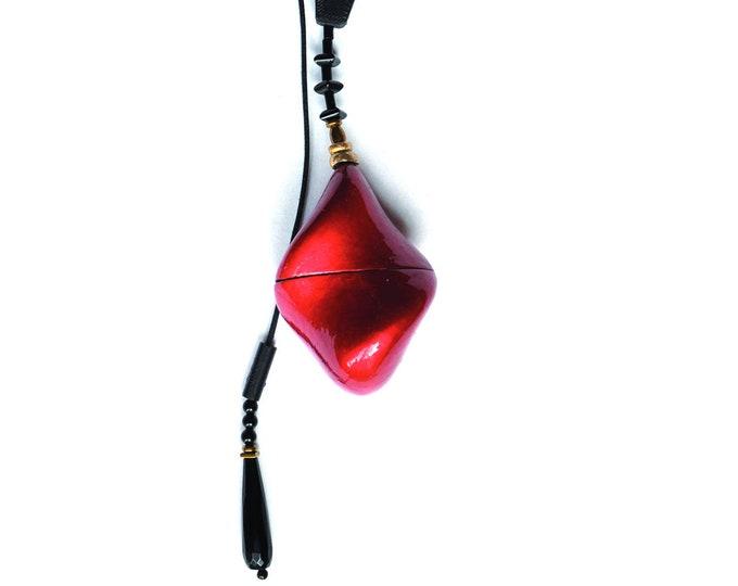 """Necklace """"Cyclone Drop container"""" adjustable, locket"""
