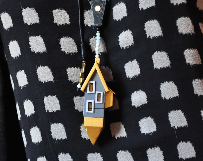"""Necklace """"Edimbourg House Container"""" adjustable"""