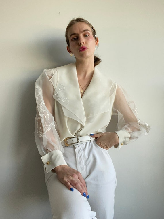 Puffed Embroidered Statement Sleeve Blouse / M-L