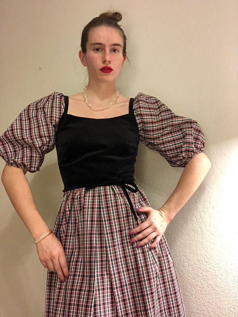 Vintage Holiday Velvet Puffed Sleeve Dress