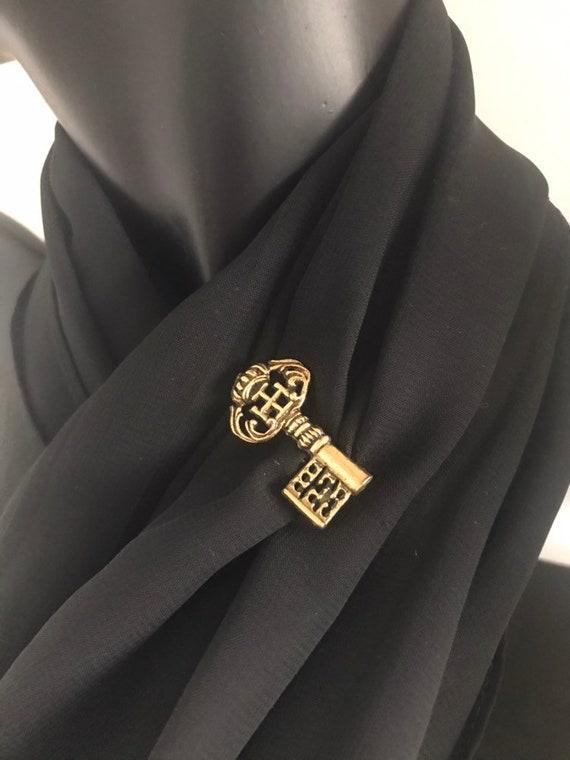 Vintage Gold Key Pin