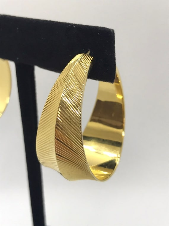 Vintage Bold Statement Hoop Earrings with Line Detail