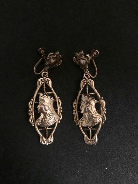 Vintage Queen of Hearts Goldtone Earrings