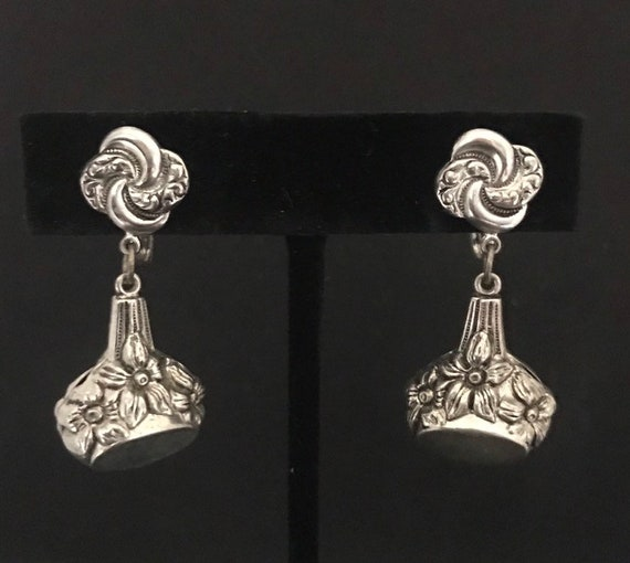 Vintage Silvertone Flower Drop Earrings