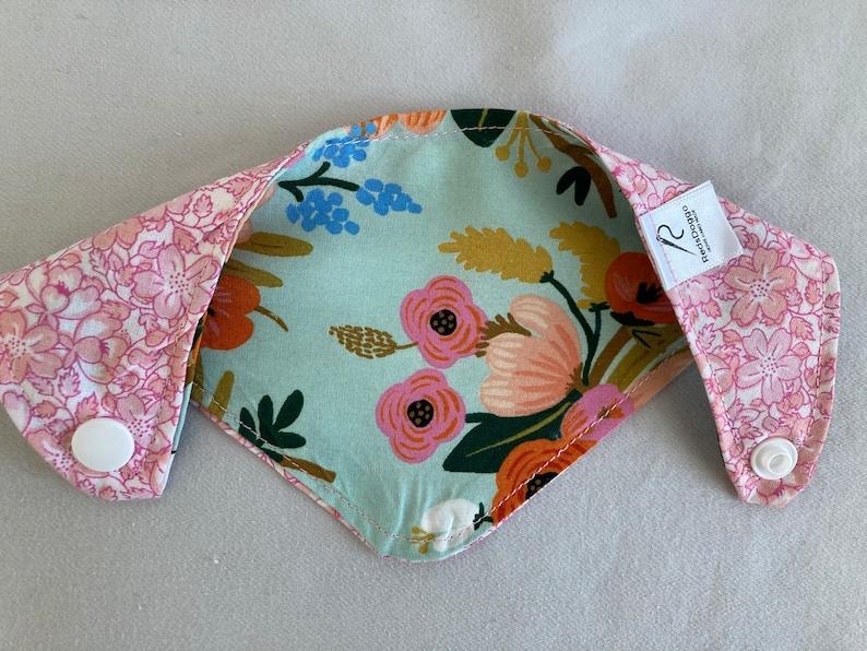DogCat Flowers bandana 8\u201d neck
