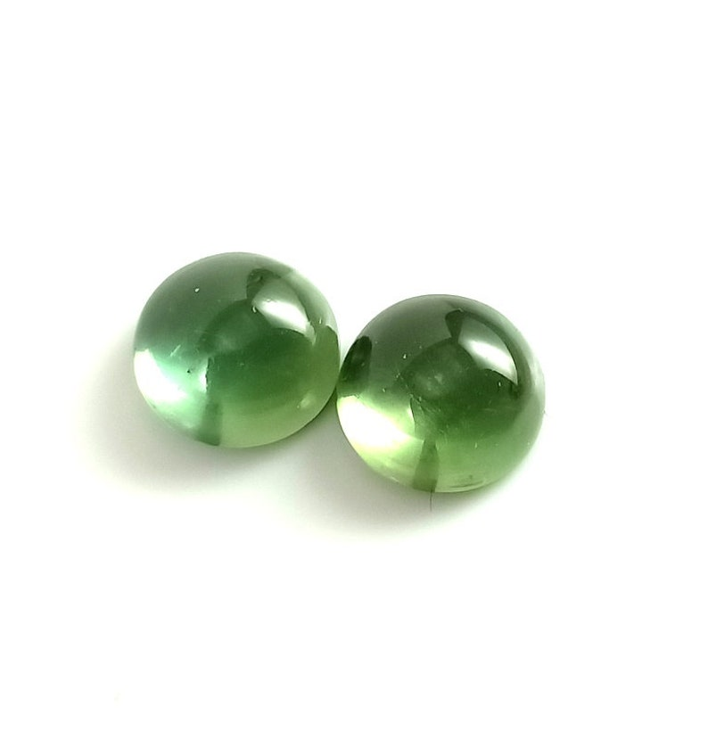 Quality 100/%  Natural Pair of  Green Apatite Round Shape Cabochons Apatite Gemstone for Jewelry Making 10x5.5 MM. 9.80 cts Tempting AAA++