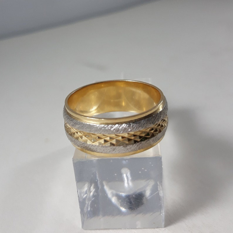 14K Solid Gold Artcarved Men/'s Wedding Band Yellow /& White Chiseled Textured Band Ring Mens size 10.5