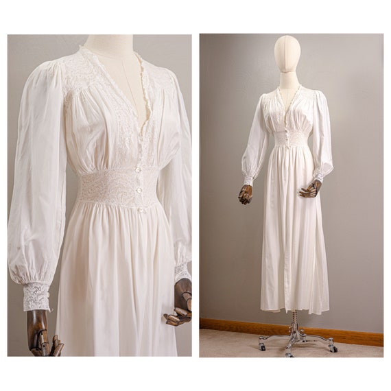 Elegant 40s Soft White Rayon and Lace Peignoir Rob