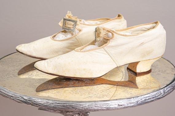 Antique 1900 Edwardian Wedding Shoes, White Kid L… - image 3