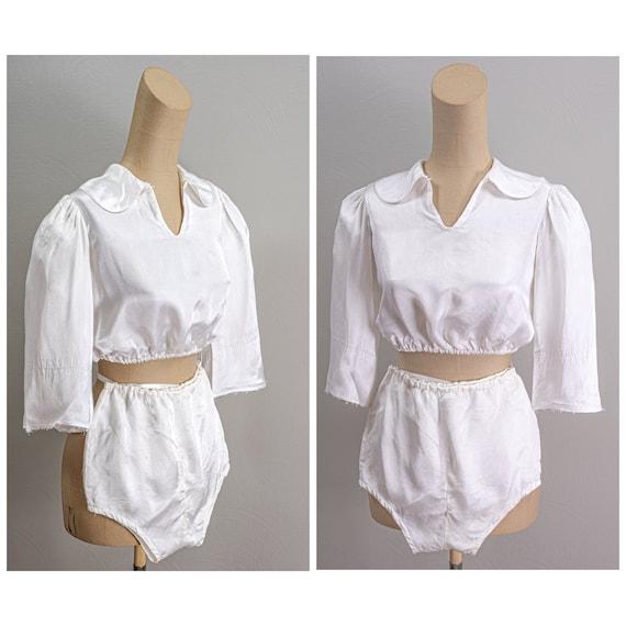 Wonderful Vintage 40s White Rayon Costume, 3/4 Bel