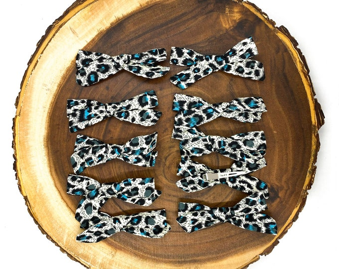 Skinny Aqua Leopard Bow