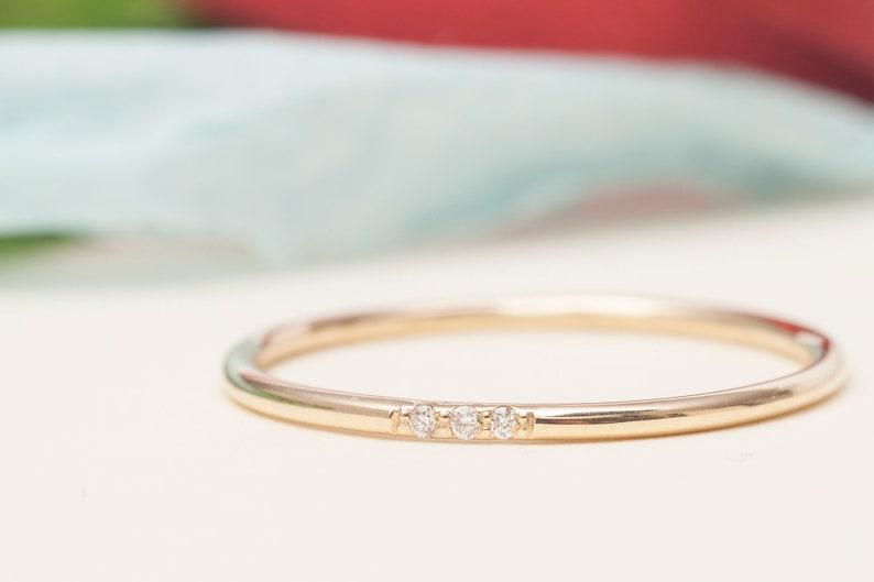 Dainty Wedding Band With 5 Diamonds 14K Gold Wedding Band 30/% SALE Wedding Ring