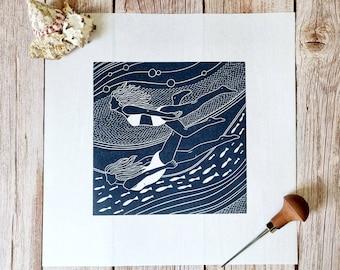 Flowing friends - Original linocut print of two women swimming underwater