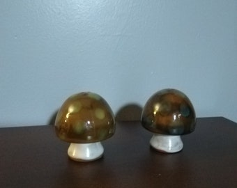 Vintag Ceramic Mushroom Shakers