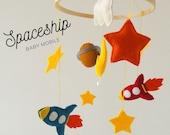 Baby mobile with spaceship, planet, rocket, stars, Nursery mobile, Crib mobile for newborn / Űrhajós kiságyforgó, bolygóval, csillagokkal