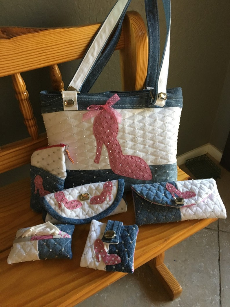 Tote bag made from recycled jeans with matching accessories in pink Stiletto motif