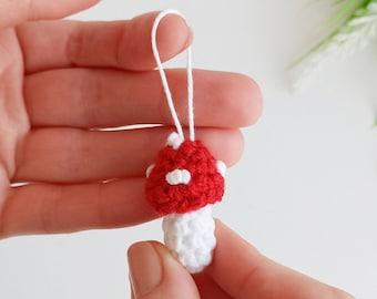 Mushroom keychain free crochet pattern, amigurumi mushroom crochet ornament, easy crochet primitive pattern