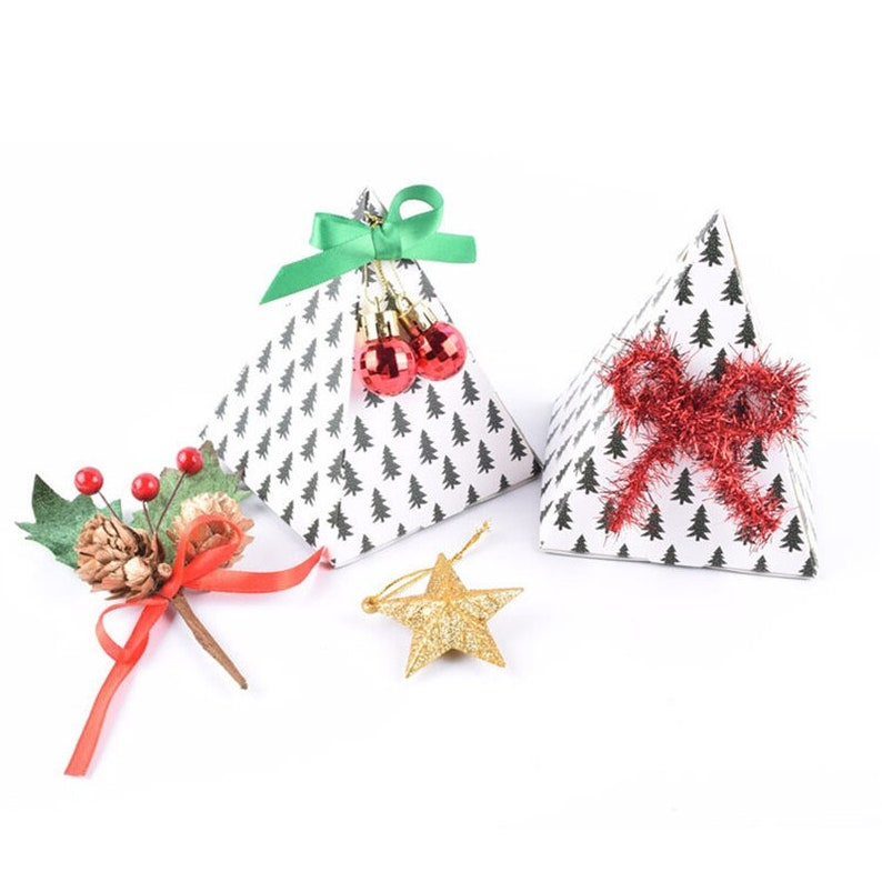 50pcs 9*9*11.5cm BlackWhite Paper Candy Happy New Year Gift Pac/& Event Baby Favor Decoration Bread Baking Biscuit