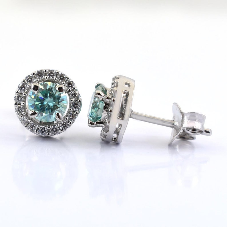 Gift For Birthday Amazing Shine /& Luster Earth Mined Gorgeous Blue Diamond Solitaire Studs Earrings with White Diamond Accents
