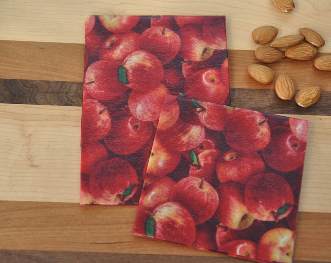 Medium Apple 10x12: Beeswax-based food packaging