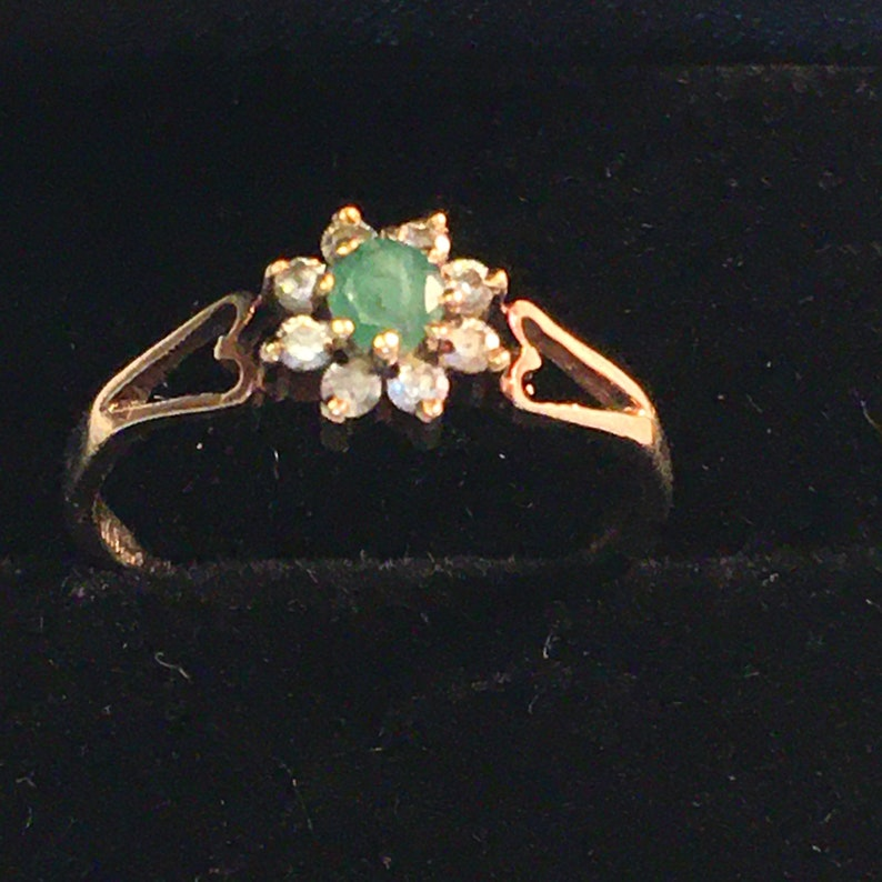 9ct Gold Diamond and Emerald Ring