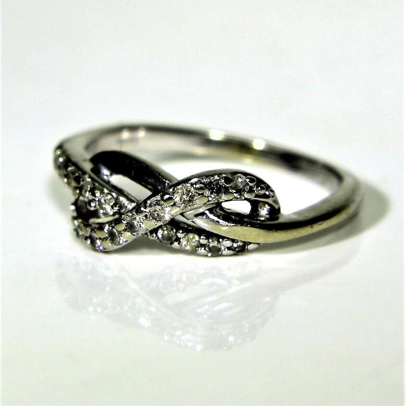 10k White Gold Diamond Knot Ring Size 5 14 K