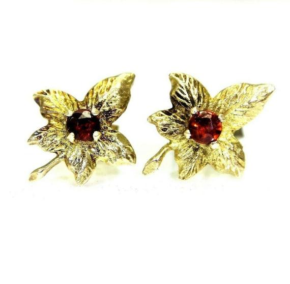 Vintage 9ct 9k Gold Garnet Maple Leaf Stud Earrin… - image 1