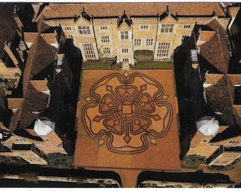 KENTWELL HALL, Long MELFORD, Suffolk - Aerial View of Maze - Unused Vintage Postcard Published by Beric Tempest & Co
